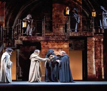 Il nome della rosa a teatro, foto di Alfredo Tabocchini e Andrea Guermani