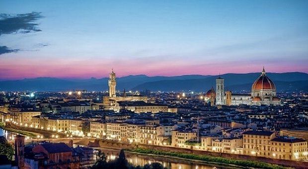Panorama di Firenze di notte