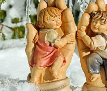 ceramiche artigianali di bambini angioletti