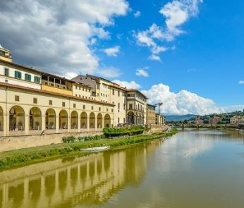 Panorama di Firenze dall'Arno