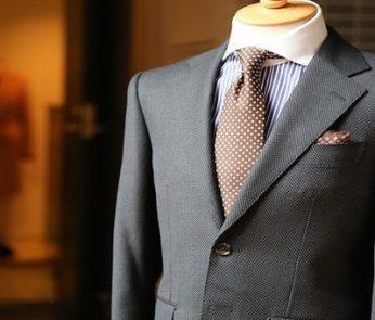 vestito elegante da uomo ad Apritimoda a Firenze