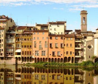 palazzi storici sul lungarno di Firenze