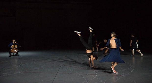 coreografia con violoncello