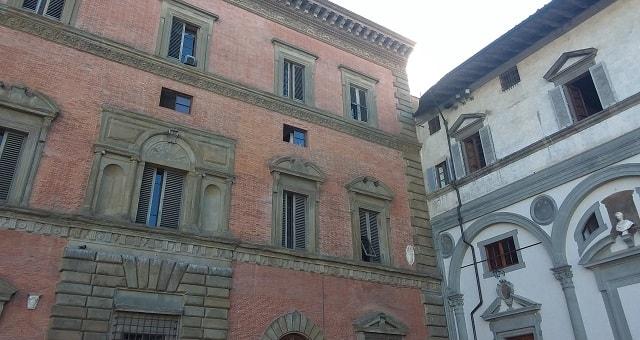Palazzo Budini Gattai in piazza Santissima Annunziata