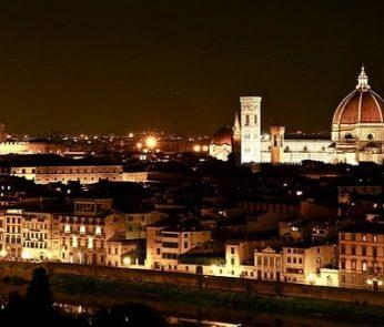 Panorama su Firenze di notte