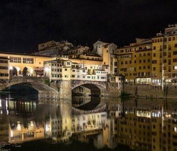 Ponte Vecchio, riflessi nell'acqua