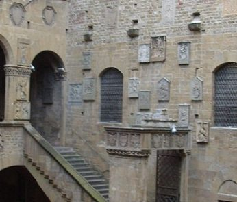 Firenze: cortile del Bargello