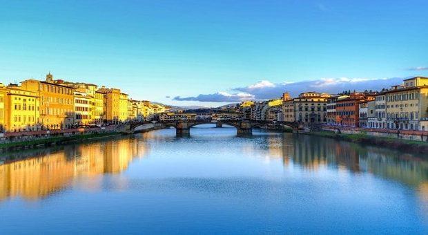 Vista su Firenze dall'Arno