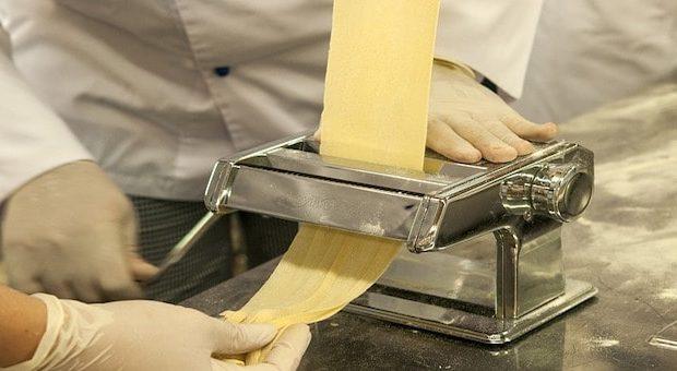 Preparazione della pasta fresca